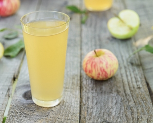 apple-cider-vinegar-cup