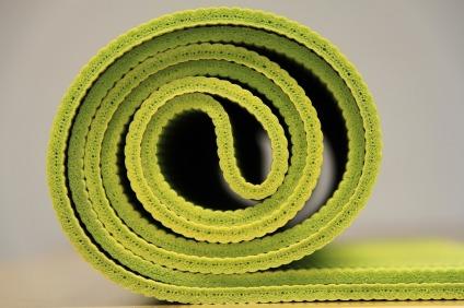 yoga-940359_960_720