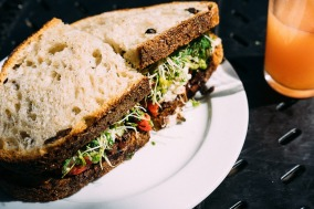 sandwich-677696_1280.jpg